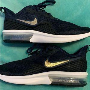Brand new never worn Nike Air Max